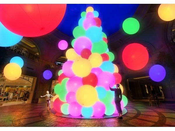 チームラボによる幻想的な光の巨大ツリーがお台場に登場!