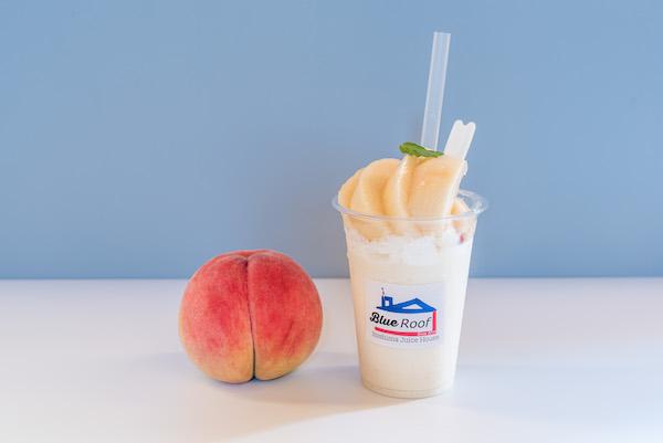 糸島産のヨーグルトと生の桃を贅沢に使用!毎年人気の桃スムージーが今年も登場