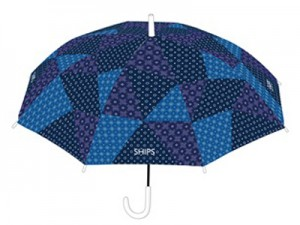【ファミマ×SHIPS】オシャレでエコなビニール傘を限定販売