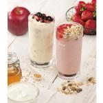 ヨーグルトにストロベリー、アップル風味と、さらに健康的な食材をシェイクした爽やかなドリンクが登場!